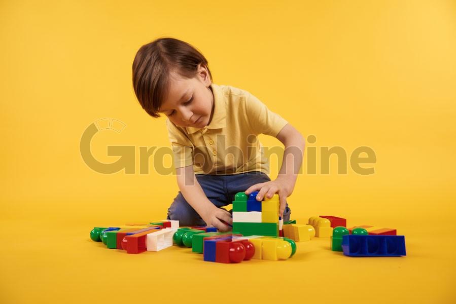 تصویر استوک بازی کودک