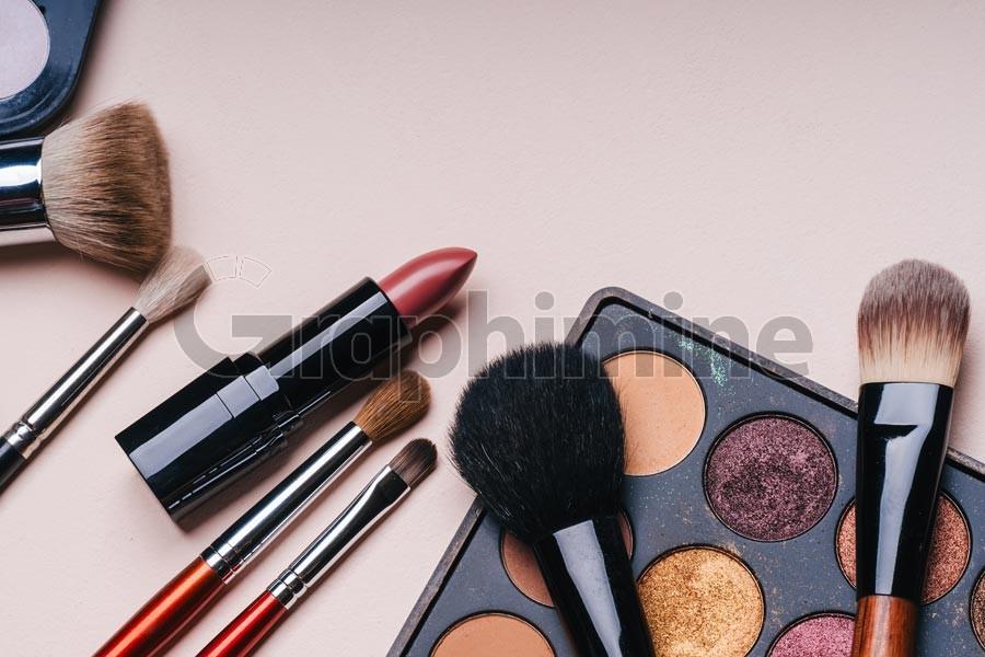 عکس استوک لوازم آرایش زیبایی