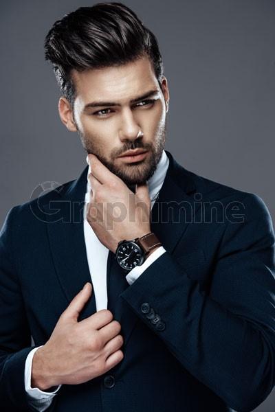 تصویر استوک استایل رسمی مردانه