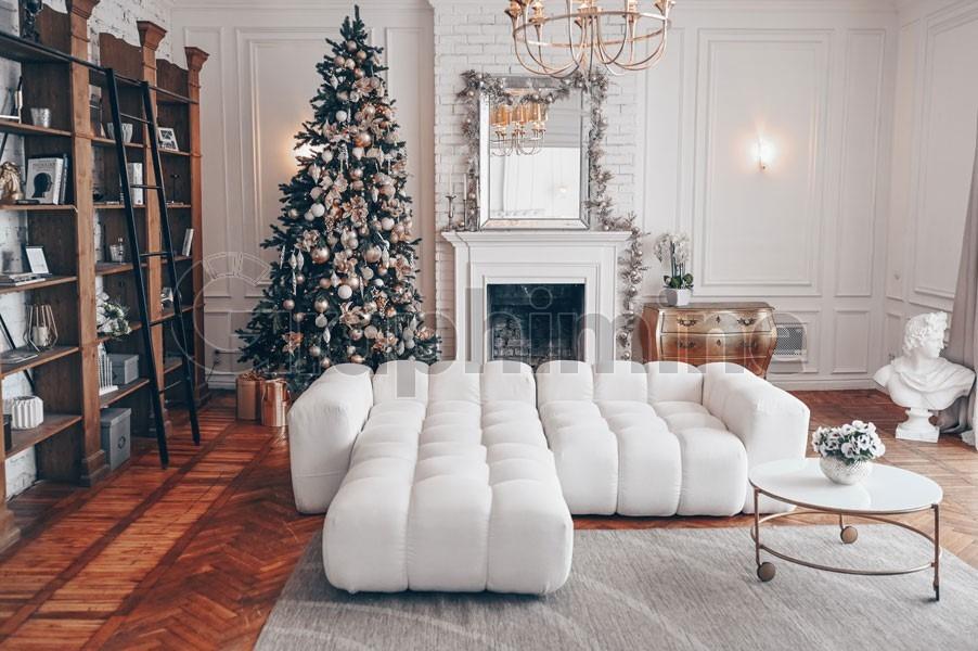 تصویر استوک دکوراسیون کریسمس اتاق
