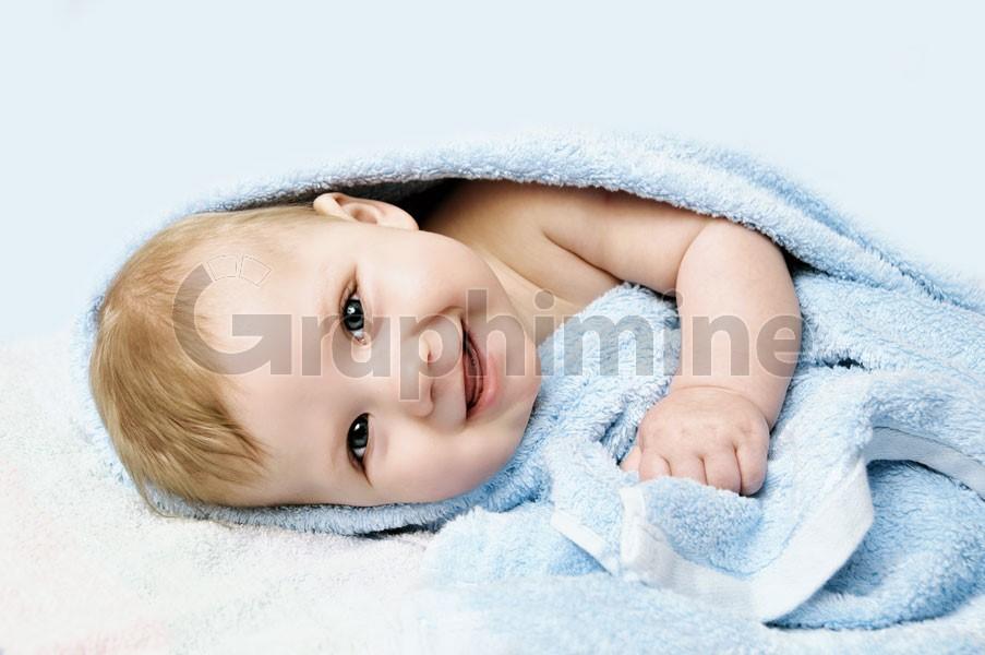تصویر استوک نوزاد بچه