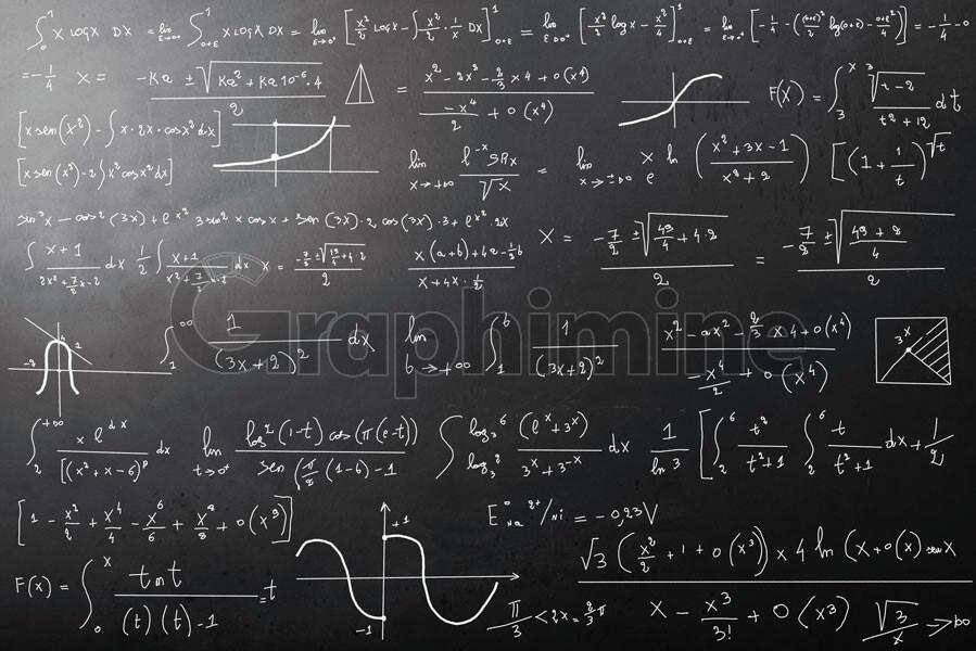 تصویر استوک تخته سیاه محاسبات ریاضی