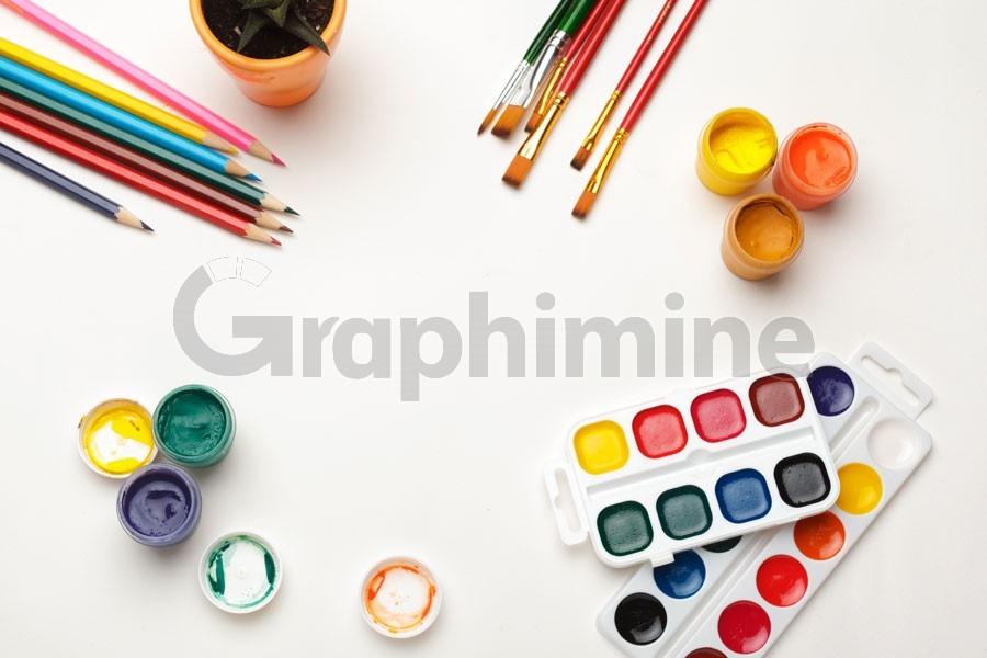 تصویر استوک رنگ قلمو مدادرنگی