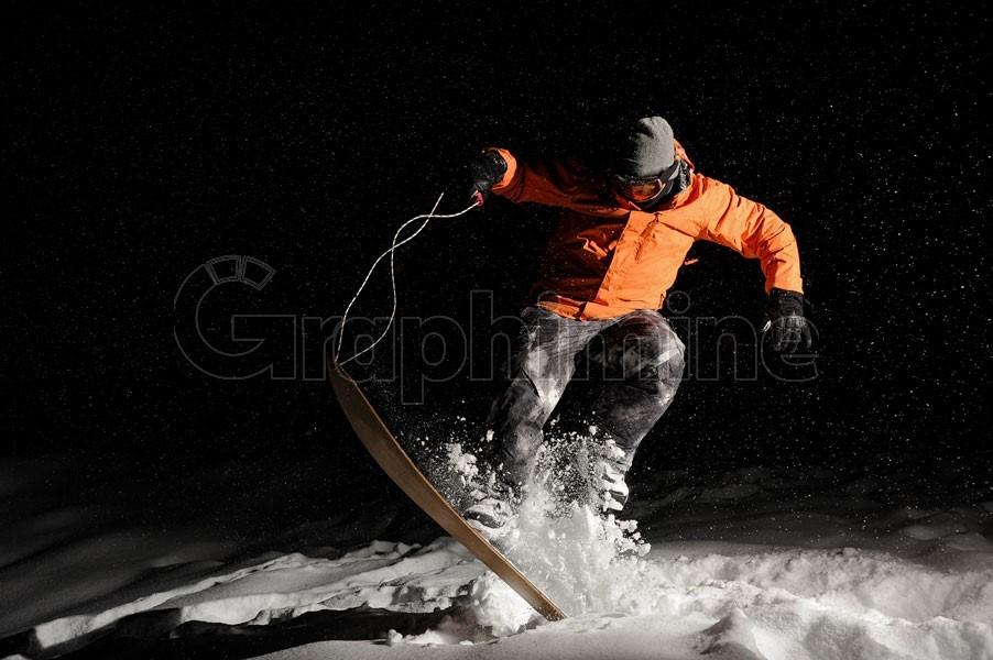 تصویر استوک ورزش اسنوبرد