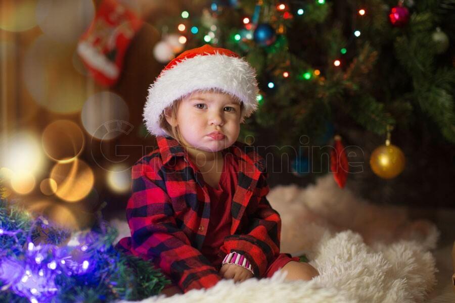 تصویر استوک کودک کریسمس